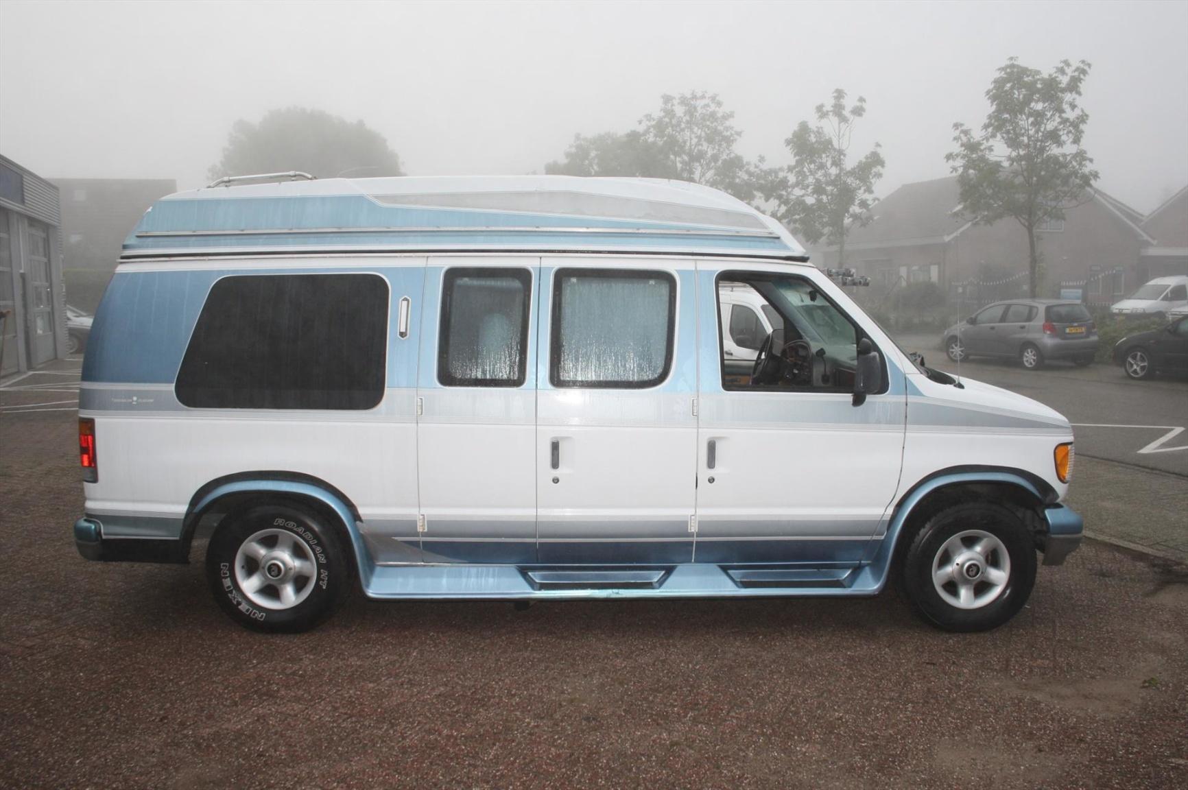 Ford-Camper-2
